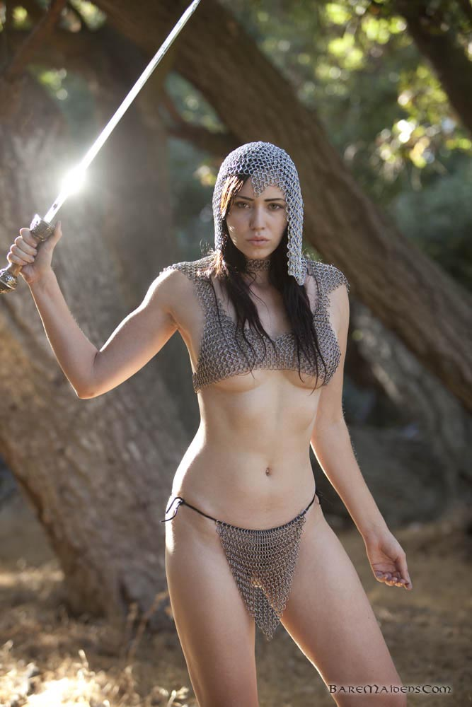 girls-in-chainmail-nude-kate-fischer-nipples