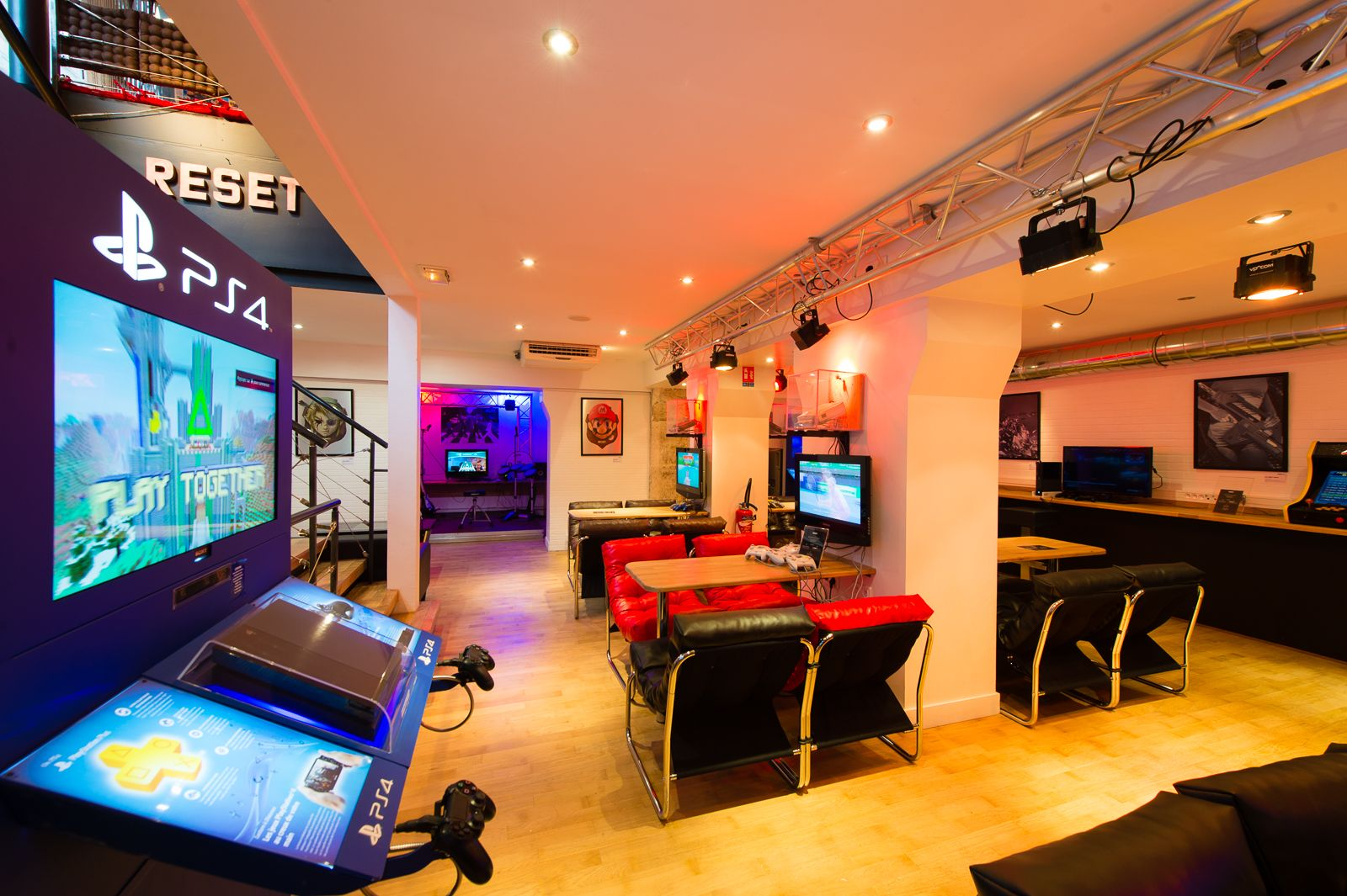 À la BnF, dans la plus grande collection de jeux vidéo de France 34899-bar-reset