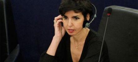 Rachida Dati sur ACTA : C'est pas moi, hé, c'est la faute du bouton !